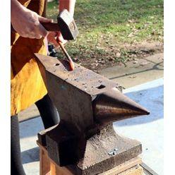 types of vises/ Hammer /Sledgehammer/Anvils/Axes